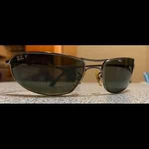 Ray-Ban Curve polarized glass sunglasses.